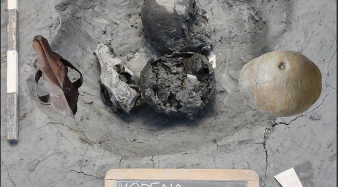 Privation de sépulture et dépôts humains non sépulcraux dans la Méditerranée antique